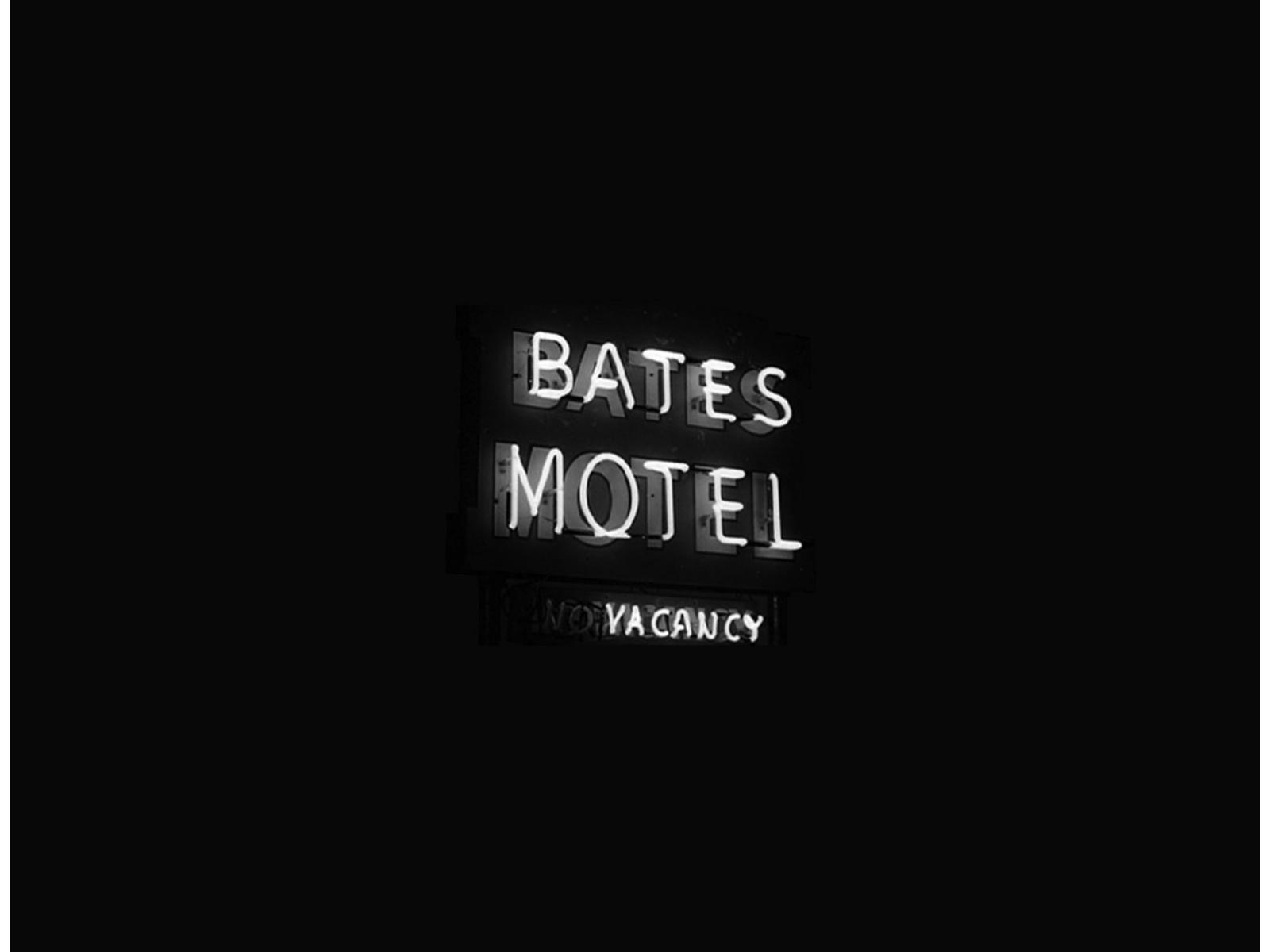 bates_motel_psycho_wallpaper-1600x1200