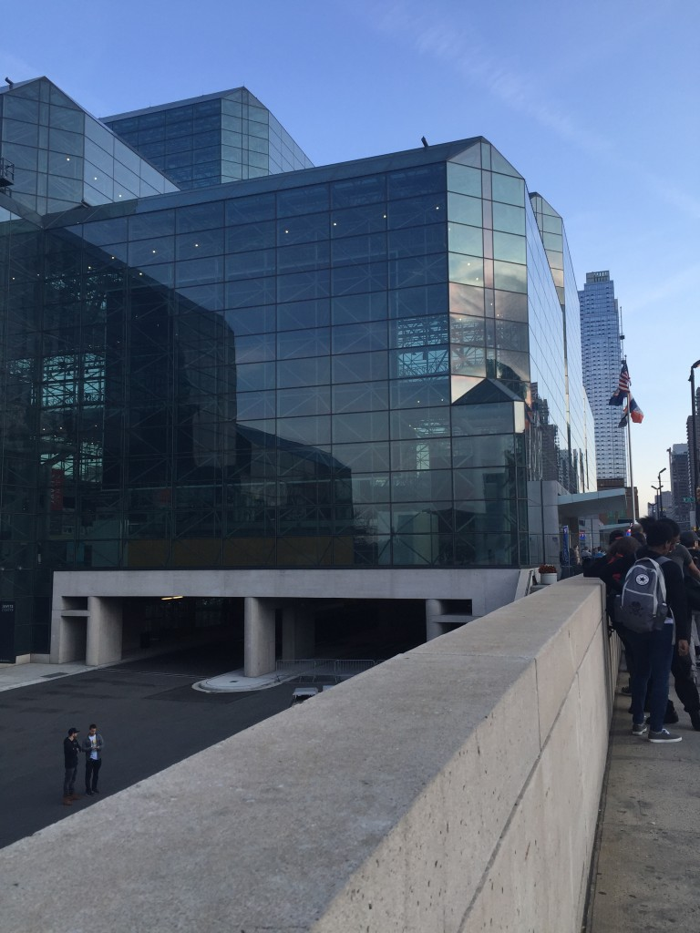 Early Thursday morning outside the Javits Center. Laura Cerrone 2015.