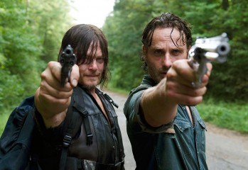 promo-sneak-peek-the-next-world-will-see-the-walking-dead-go-from-scary-to-hunky-dunk-844228
