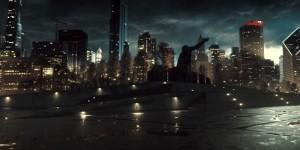 Batman-V-Superman-Trailer-Discussion-Statue-Metropolis