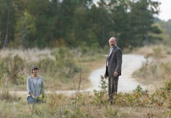 01. spoilers preview Lauren Cohan as Maggie Greene, Xander Berkeley as Gregory - The Walking Dead _ Season 7, Episode 15