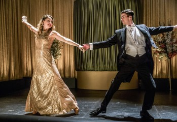 """The Flash -- """"Duet"""" -- FLA317b_1298b.jpg -- Pictured (L-R): Melissa Benoist as Kara and Grant Gustin as Barry Allen -- Photo: Jack Rowand/The CW -- © 2017 The CW Network, LLC. All rights reserved."""