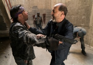 fear-the-walking-dead-episode-316-daniel-blades-2-9351