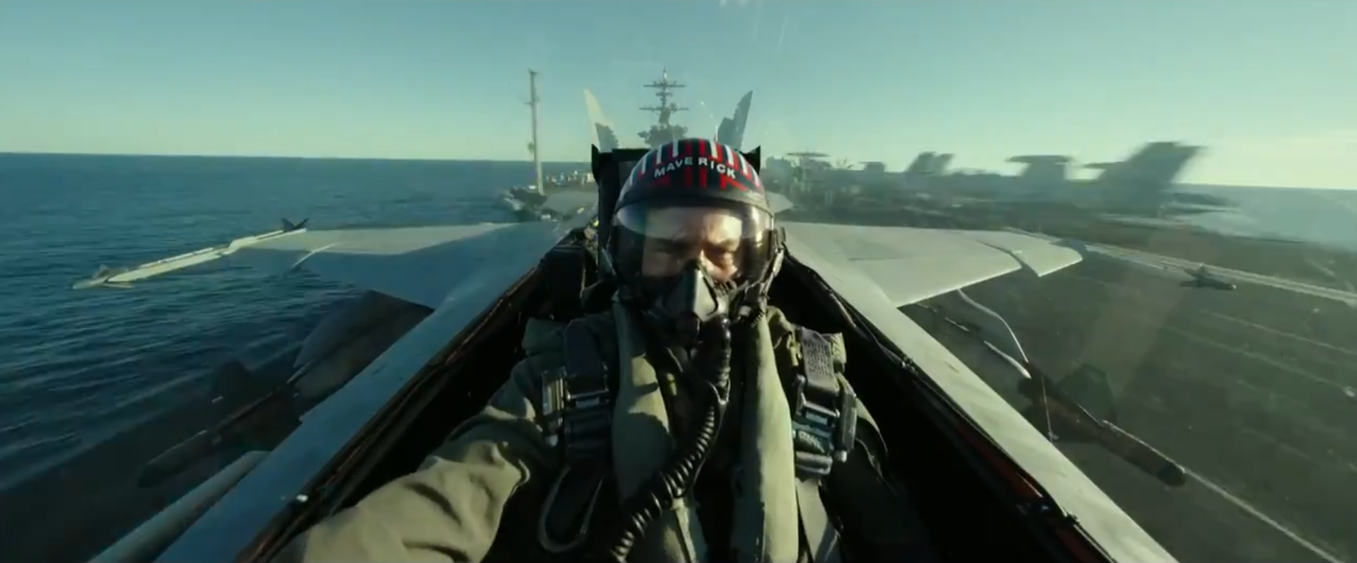 tom cruise drops by sdcc and brings first trailer for  u0026 39 top gun  maverick u0026 39  with him